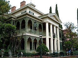 250px-Haunted_Mansion_Exterior